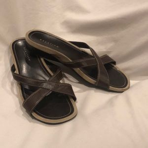 Brown leather Kenneth Cole slip on sandals Sz 7.5M